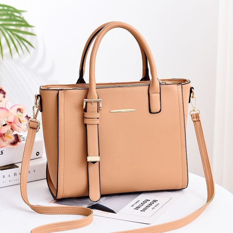 JT9019 IDR.165.000 MATERIAL PU SIZE L30XH25XW14CM WEIGHT 960GR COLOR KHAKI