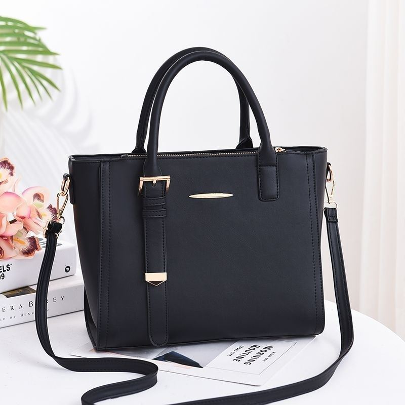 JT9019 IDR.175.000 MATERIAL PU SIZE L30XH25XW14CM WEIGHT 960GR COLOR BLACK