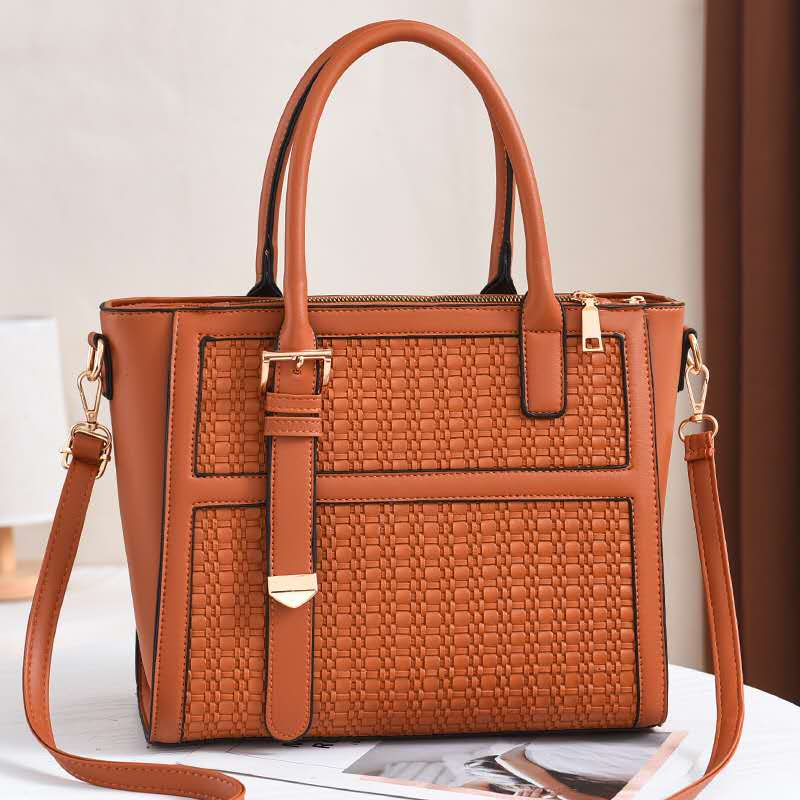 JT90191 IDR.184.000 MATERIAL PU SIZE L30XH25XW14CM WEIGHT 650GR COLOR BROWN