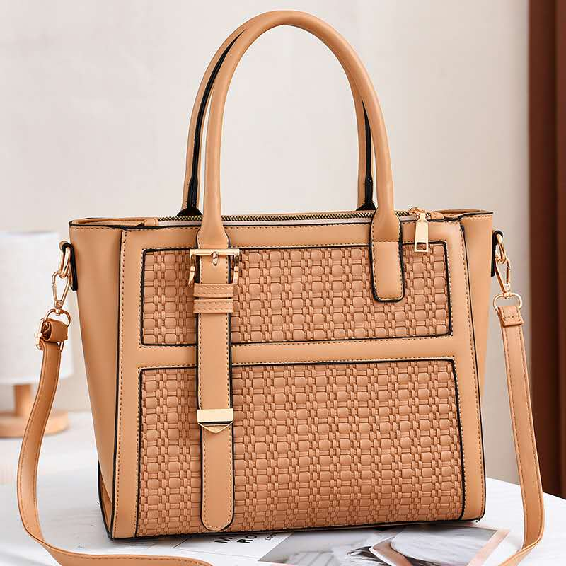 JT90191 IDR.184.000 MATERIAL PU SIZE L30XH25XW14CM WEIGHT 650GR COLOR KHAKI