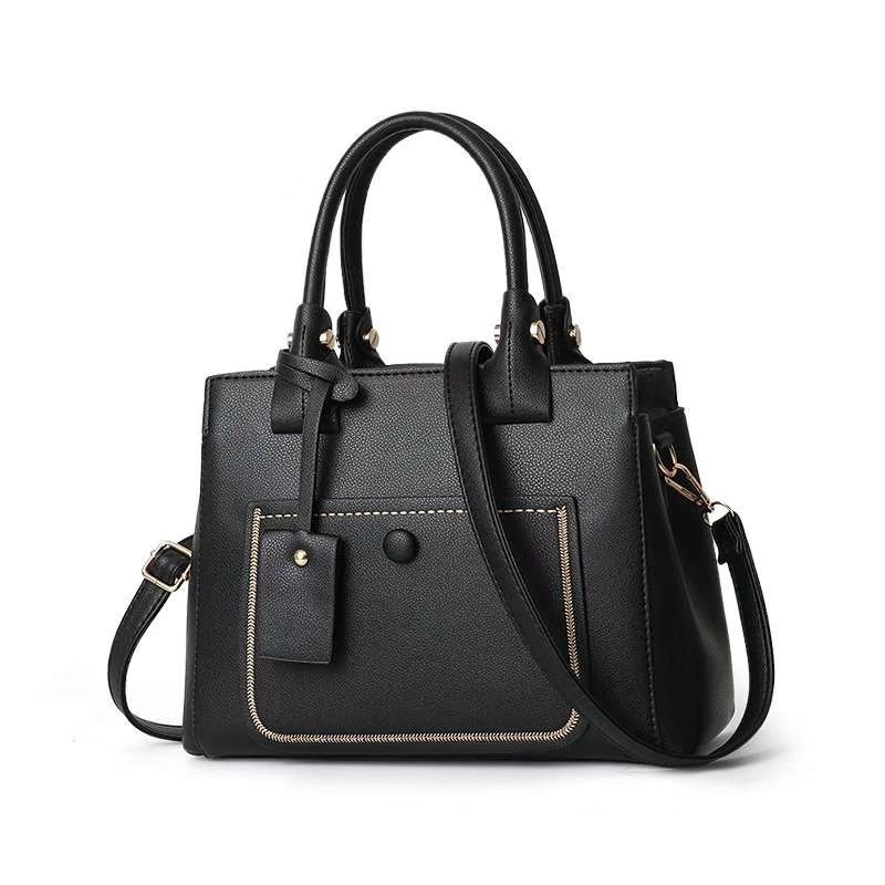 JT9061 IDR.172.000 MATERIAL PU SIZE L31XH22XW14CM WEIGHT 850GR COLOR BLACK