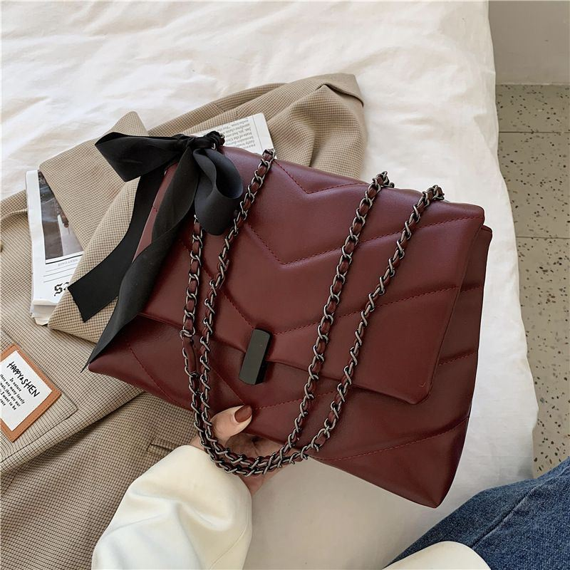 JT91200 IDR.181.000 MATERIAL PU SIZE L30XH20XW9CM WEIGHT 800GR COLOR RED