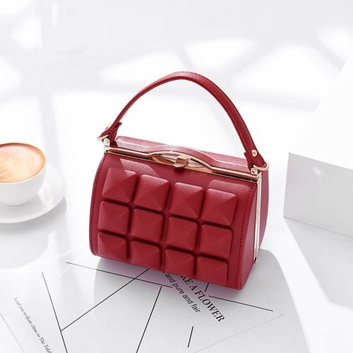 JT92969 IDR.190.000 MATERIAL PU SIZE L18XH13X13CM WEIGHT 700GR COLOR RED
