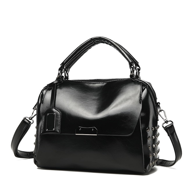 JT930 IDR.192.000 MATERIAL PU SIZE L30XH25XW13CM WEIGHT 650GR COLOR BLACK