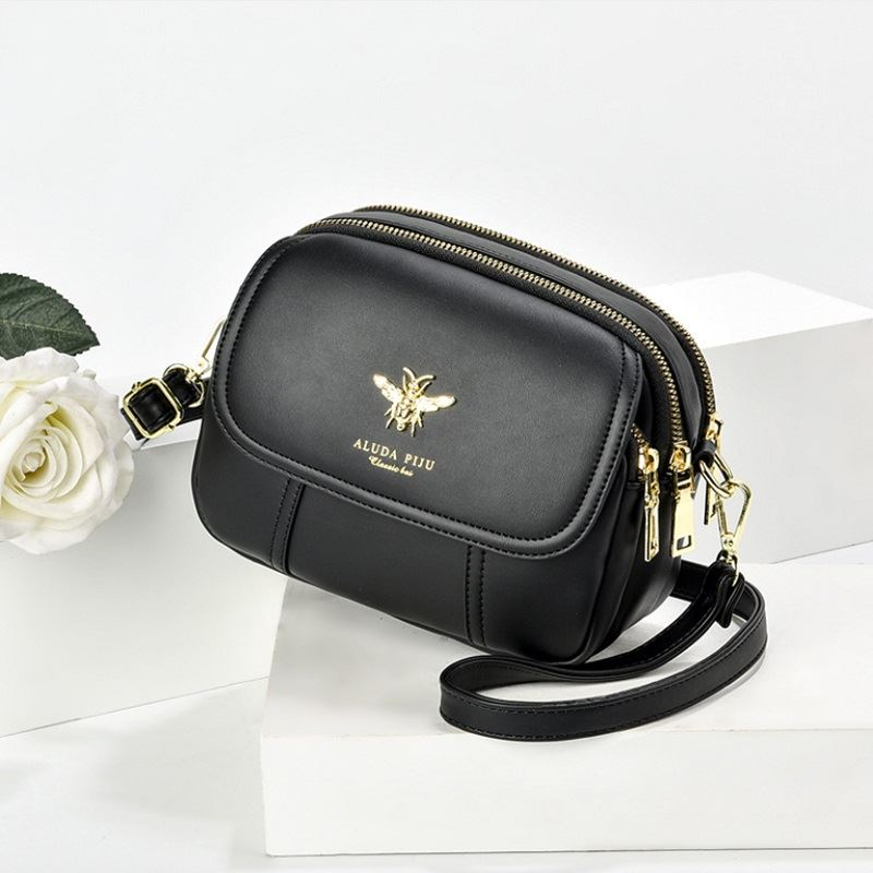 JT93886 IDR.165.000 MATERIAL PU SIZE L21XH16XW7CM WEIGHT 450GR COLOR BLACK