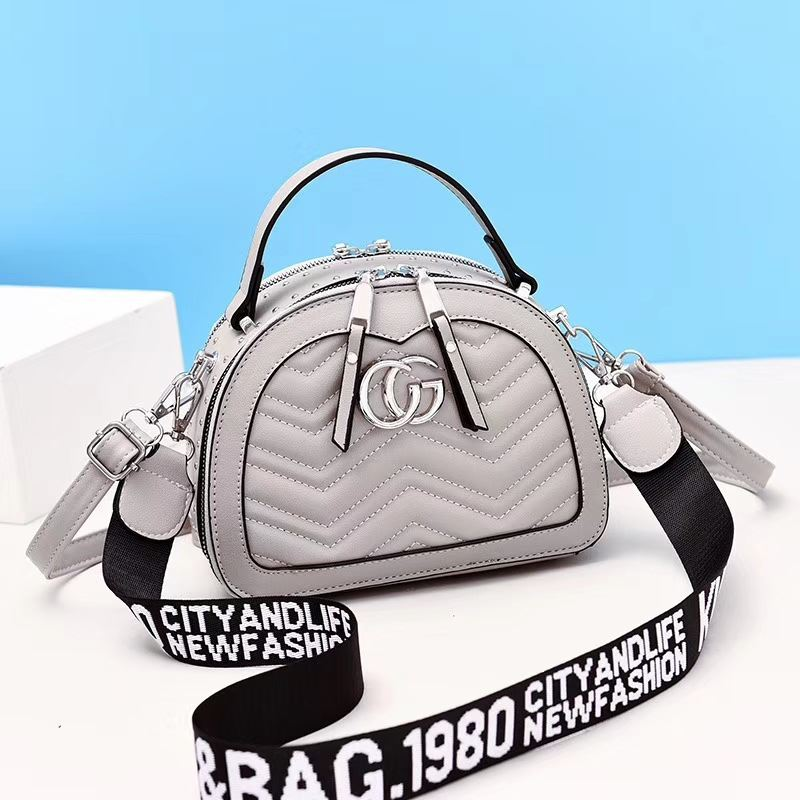 JT9812 IDR.186.000 MATERIAL PU SIZE L21XH16XW10CM WEIGHT 600GR COLOR GRAY
