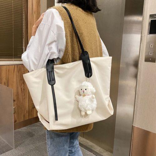 JT9892-beige Tas Selempag Wanita Gantungan Boneka Import