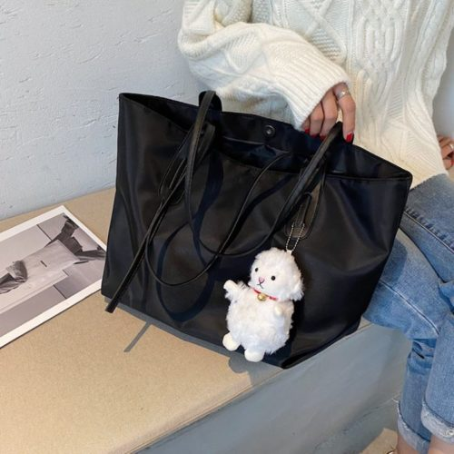 JT9892-black Tas Selempag Wanita Gantungan Boneka Import