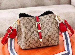 JT9895 IDR.141.000 MATERIAL PU SIZE WEIGHT COLOR RED