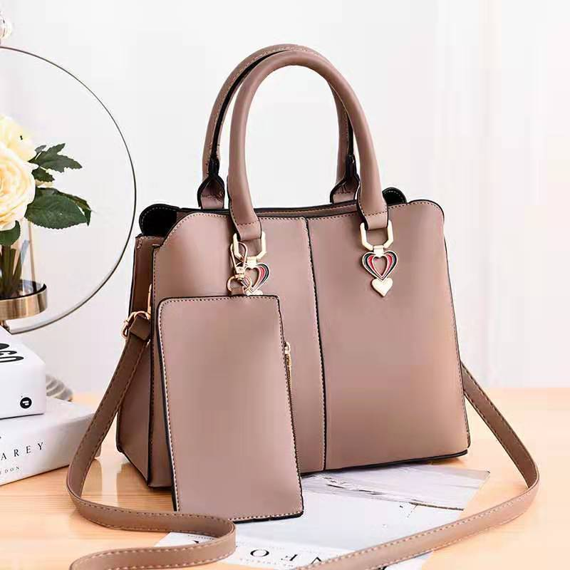 JT9902 (2IN1) IDR.162.000 MATERIAL PU SIZE L30XH23XW12.5CM WEIGHT 760GR COLOR KHAKI
