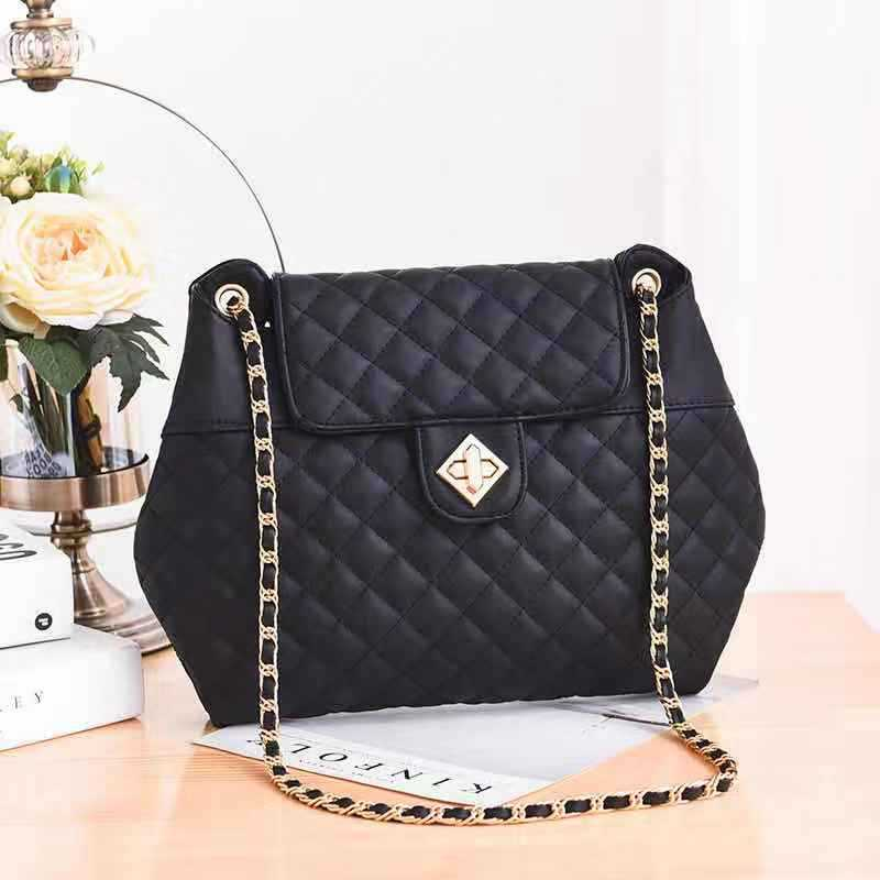 JT9971 IDR.152.000 MATERIAL PU SIZE L36XH26XW5CM WEIGHT 700GR COLOR BLACK