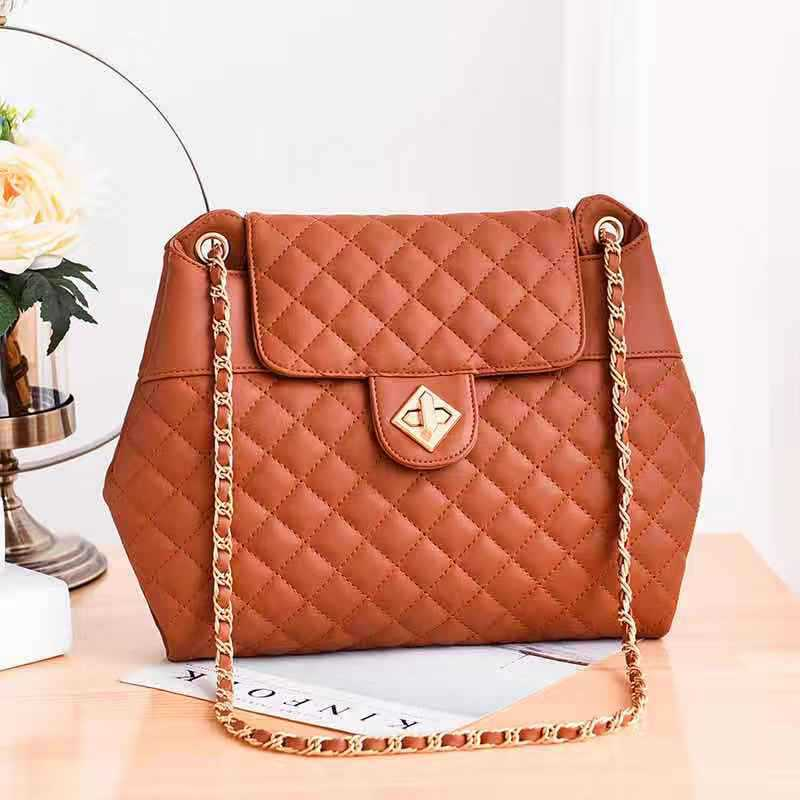 JT9971 IDR.152.000 MATERIAL PU SIZE L36XH26XW5CM WEIGHT 700GR COLOR BROWN