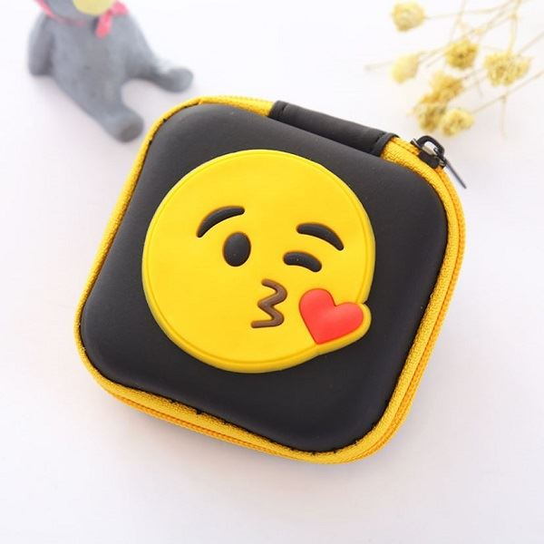JTF0011 IDR.9.000 DOMPET EARPHONE, KOIN SIZE 7.2X3.2CM WEIGHT 25GR COLOR SMILEYFACE