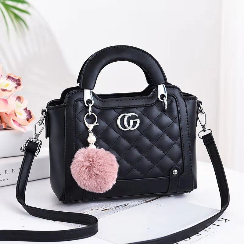 JTF0147 IDR.90.000 MATERIAL PU SIZE L23XH18XW10CM WEIGHT 600GR COLOR BLACK