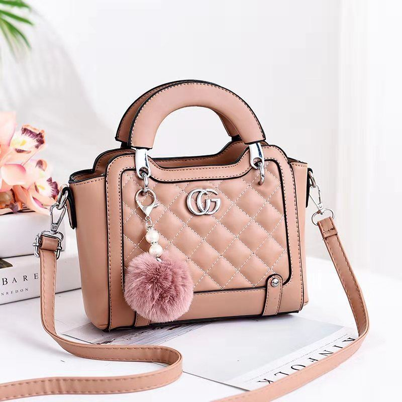 JTF0147 IDR.90.000 MATERIAL PU SIZE L23XH18XW10CM WEIGHT 600GR COLOR KHAKI