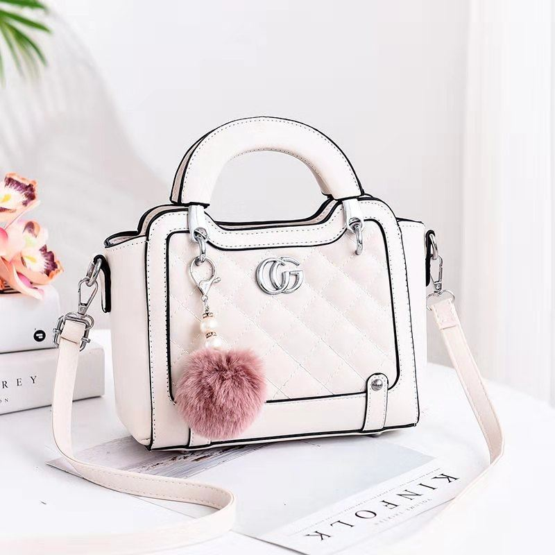 JTF0147 IDR.90.000 MATERIAL PU SIZE L23XH18XW10CM WEIGHT 600GR COLOR WHITE