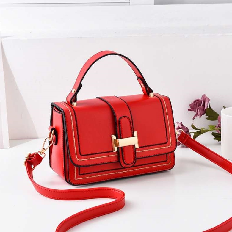 JTF0188 IDR.55000 MATERIAL PU SIZE L21XH13XW11CM WEIGHT 400GR COLOR RED
