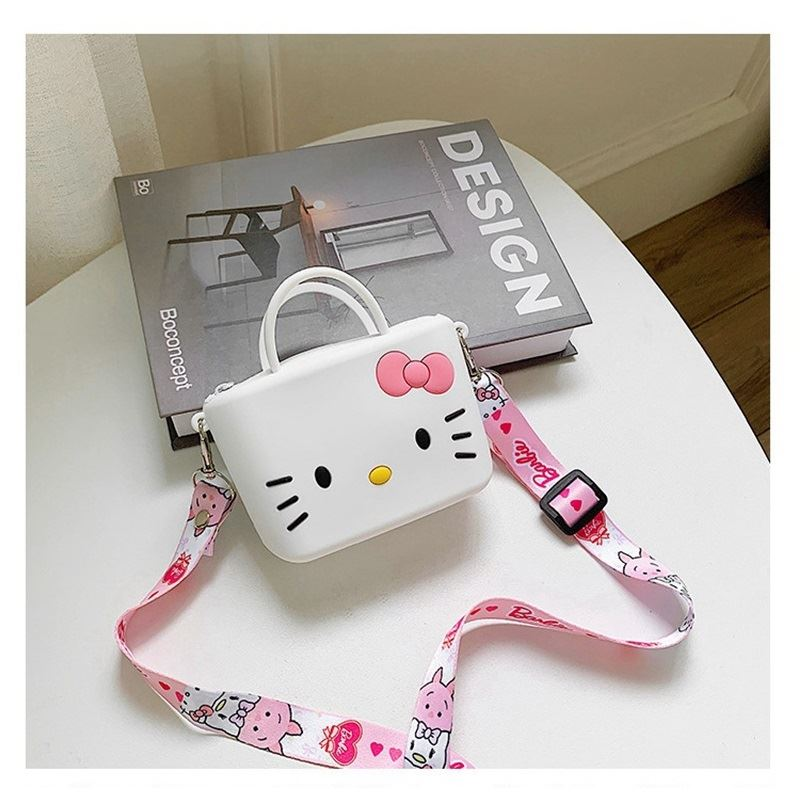 JTF04129 IDR.46.000 MATERIAL PVC SIZE L11XH8XW4CM WEIGHT 150GR COLOR KITTYWHITE