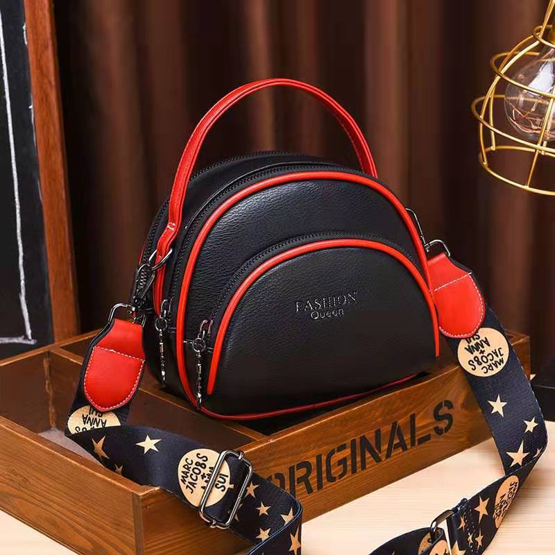 JTF07003 IDR.83.000 MATERIAL PU SIZE L19XH15XW8CM WEIGHT 500GR COLOR BLACK