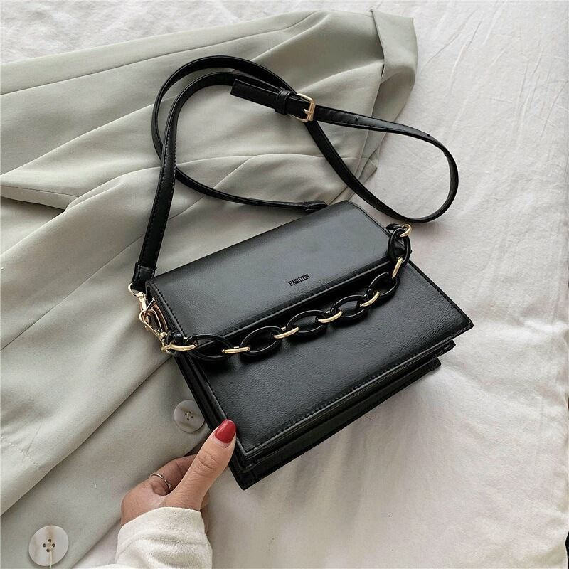 JTF1022 IDR.74.000 MATERIAL PU SIZE L20XH18XW8CM WEIGHT 600GR COLOR BLACK