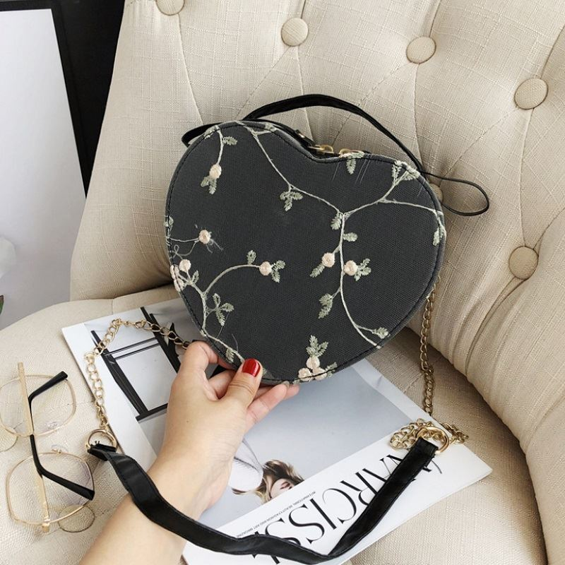 JTF1094 IDR.35.000 MATERIAL PU SIZE L21XH17.5XW7.5CM WEIGHT 300GR COLOR BLACK