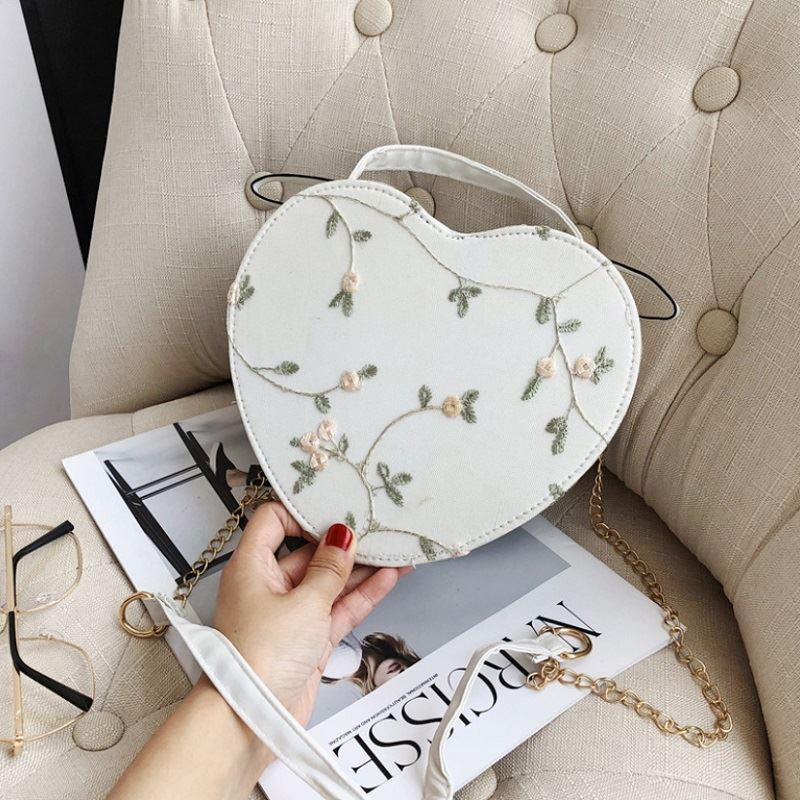 JTF1094 IDR.35.000 MATERIAL PU SIZE L21XH17.5XW7.5CM WEIGHT 300GR COLOR WHITE