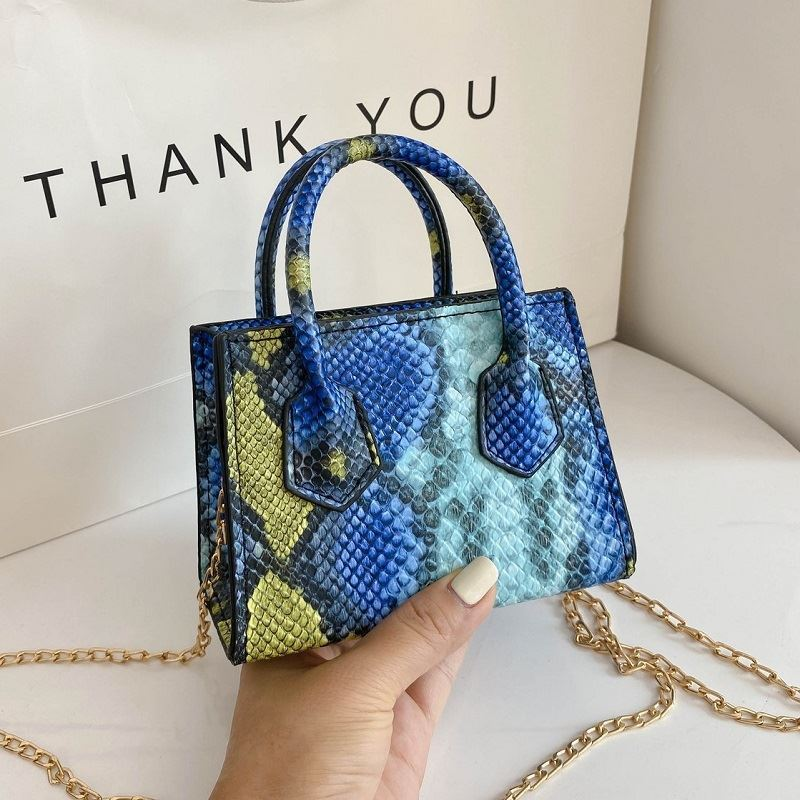JTF1115 IDR.60.000 MATERIAL PU SIZE L11XH15XW8CM WEIGHT 250GR COLOR BLUE