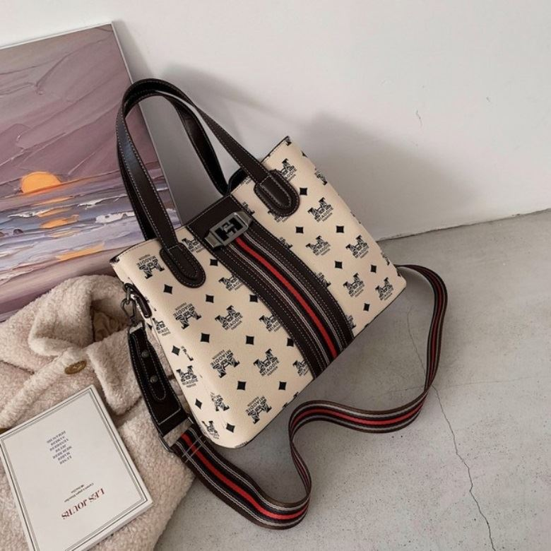 JTF1195 IDR.95.000 MATERIAL PU SIZE L30XH24XW13CM WEIGHT 650GR COLOR BEIGE