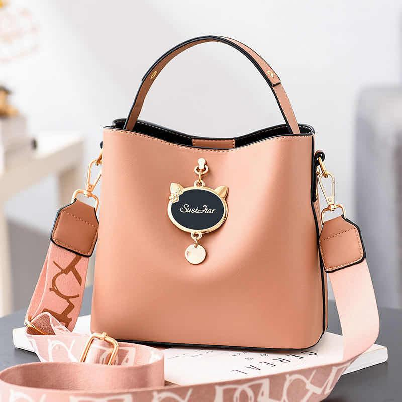 JTF12111 IDR.85.000 MATERIAL PU SIZE L23XH19XW11CM WEIGHT 550GR COLOR DARKKHAKI