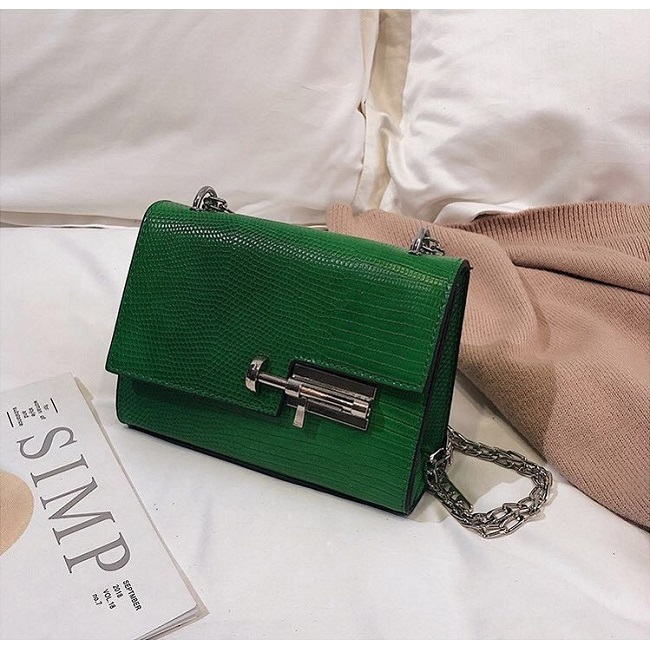 JTF123457 IDR.55.000 MATERIAL PU SIZE L18XH13XW8CM WEIGHT 500GR COLOR GREEN