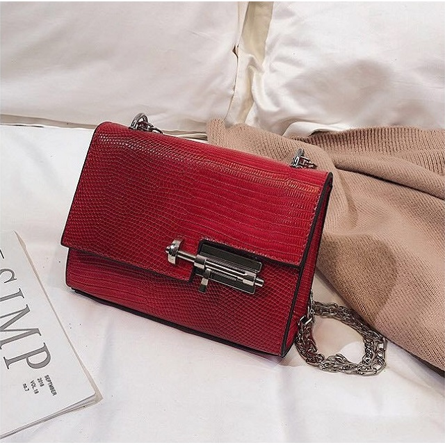 JTF123457 IDR.55.000 MATERIAL PU SIZE L18XH13XW8CM WEIGHT 500GR COLOR RED