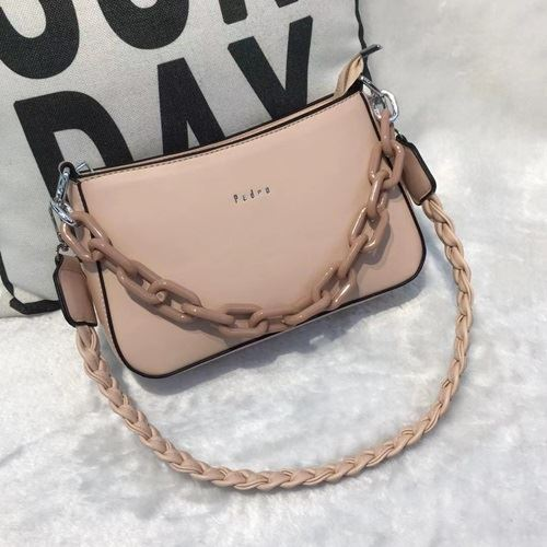 JTF12520 IDR.85.000 MATERIAL PU SIZE L24XH15XW6CM WEIGHT 500GR COLOR PINK