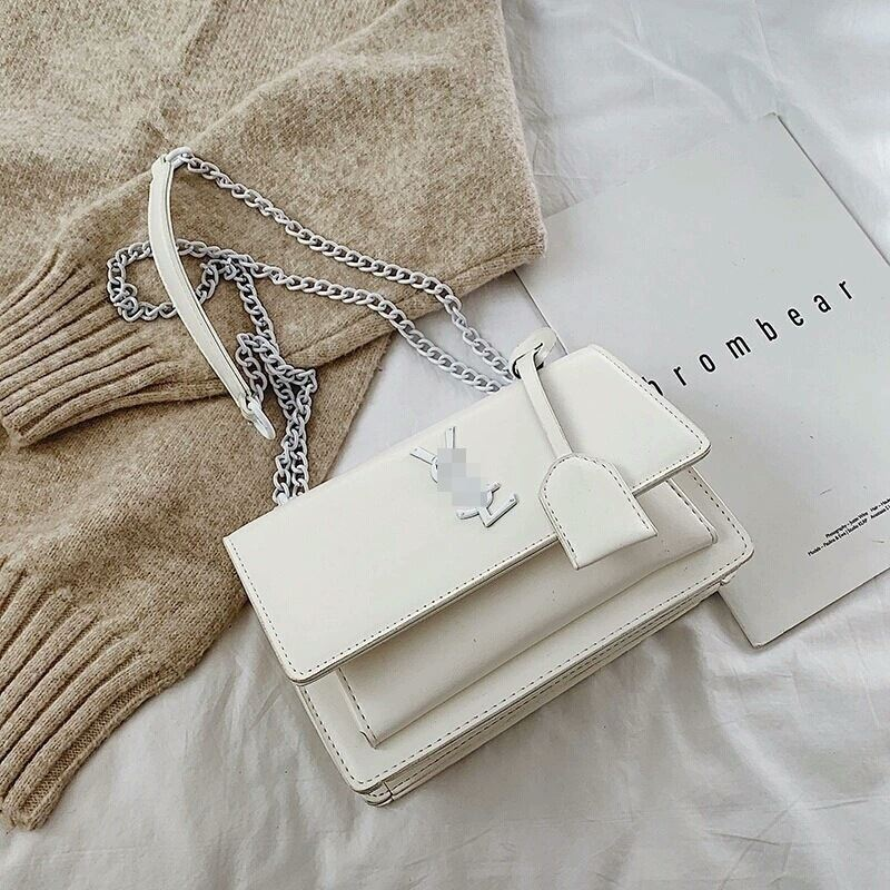 JTF13486 IDR.80.000 MATERIAL PU SIZE L22XH15XW8CM WEIGHT 650GR COLOR WHITE