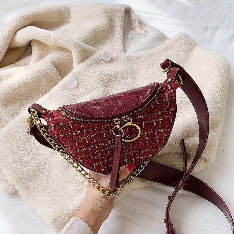 JTF15846 IDR.85.000 MATERIAL PU SIZE L28XH14XW6CM WEIGHT 400GR COLOR RED