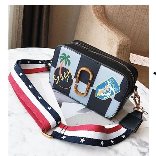JTF1750B IDR.55.000 MATERIAL PU SIZE L19XH11XW7CM WEIGHT 550GR COLOR BLUE