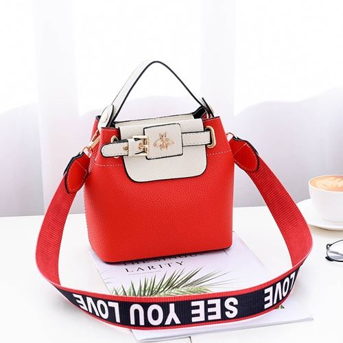 JTF18030 IDR.70.000 MATERIAL PU SIZE L18.5XH18.5X10.5CM WEIGHT 600GR COLOR RED