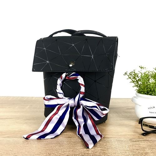 JTF18120 IDR.59.000 MATERIAL PU SIZE L14XH17XW11CM WEIGHT 400GR COLOR BLACK