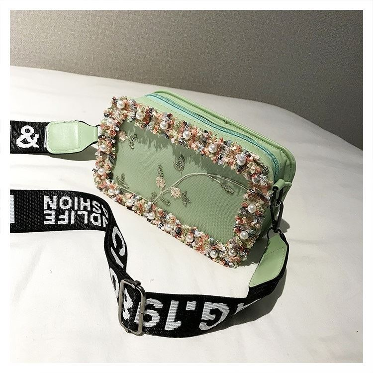 JTF18174 IDR.50.000 MATERIAL PU SIZE L20XH13XW7CM WEIGHT 300GR COLOR GREEN