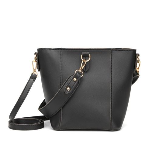 JTF1837 IDR.55.000 MATERIAL PU SIZE L26XH19XW12CM WEIGHT 500GR COLOR BLACK