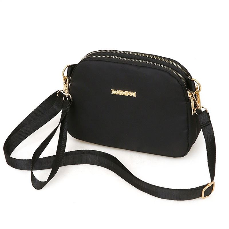 JTF18805 IDR.69.000 MATERIAL NYLON SIZE L21XH15XW9CM WEIGHT 400GR COLOR BLACK