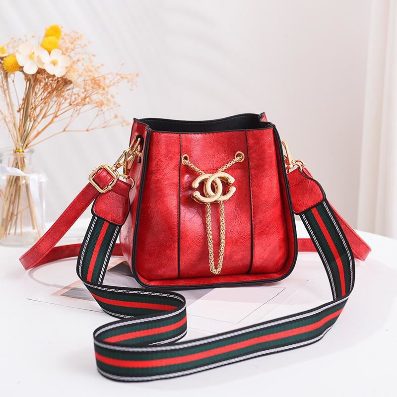 JTF1891 IDR.55.000 MATERIAL PU SIZE L19.5XH18.5XW10CM WEIGHT 700GR COLOR RED