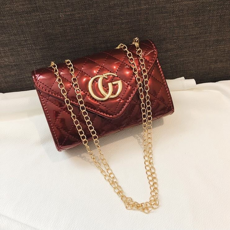 JTF19086 IDR.50.000 MATERIAL PU SIZE L18.5XH13XW7CM WEIGHT 300GR COLOR RED