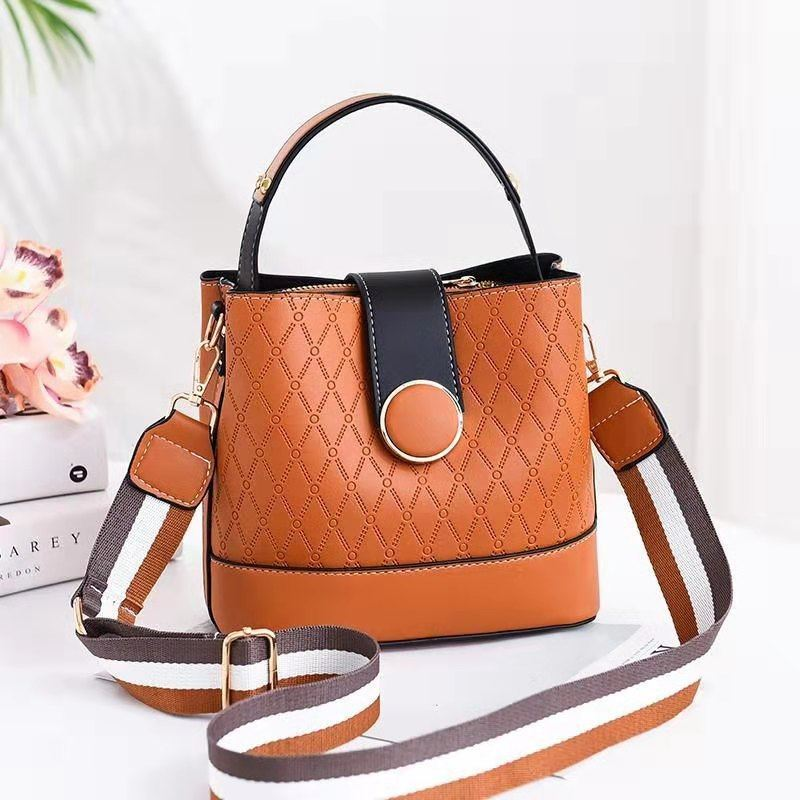 JTF19381 IDR.73.000 MATERIAL PU SIZE L20XH18.5XW11.5CM WEIGHT 600GR COLOR BROWN
