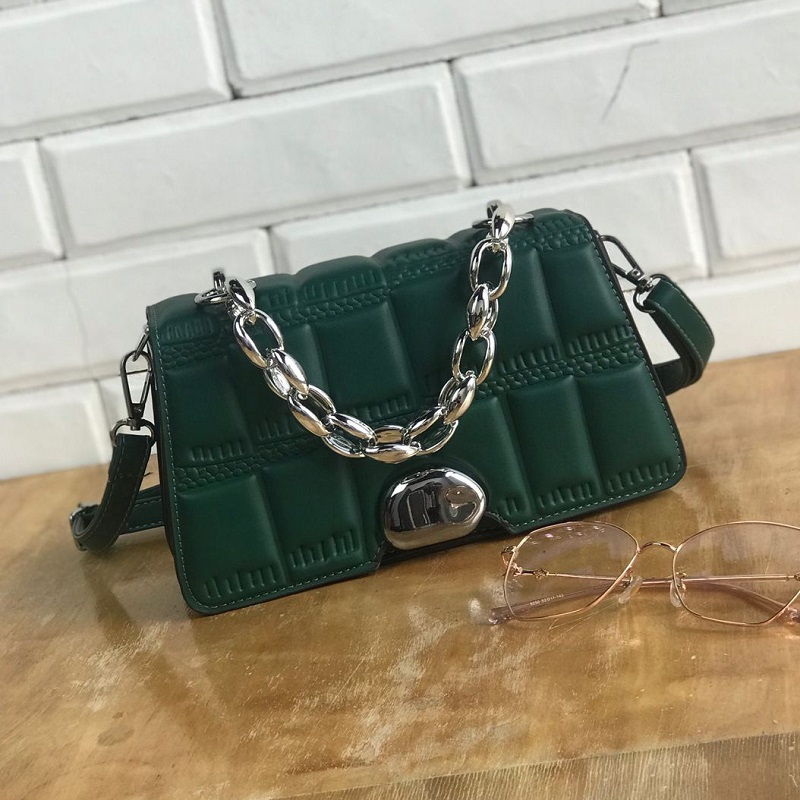 JTF2003 IDR.85.000 MATERIAL PU SIZE L21XH14XW6CM WEIGHT 450GR COLOR DARKGREEN