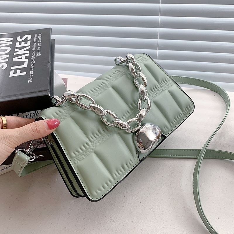 JTF2003 IDR.85.000 MATERIAL PU SIZE L21XH14XW6CM WEIGHT 450GR COLOR LIGHTGREEN