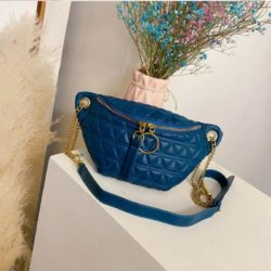 JTF2058 IDR.70.000 MATERIAL PU SIZE L28XH14XW6CM WEIGHT 300GR COLOR BLUE