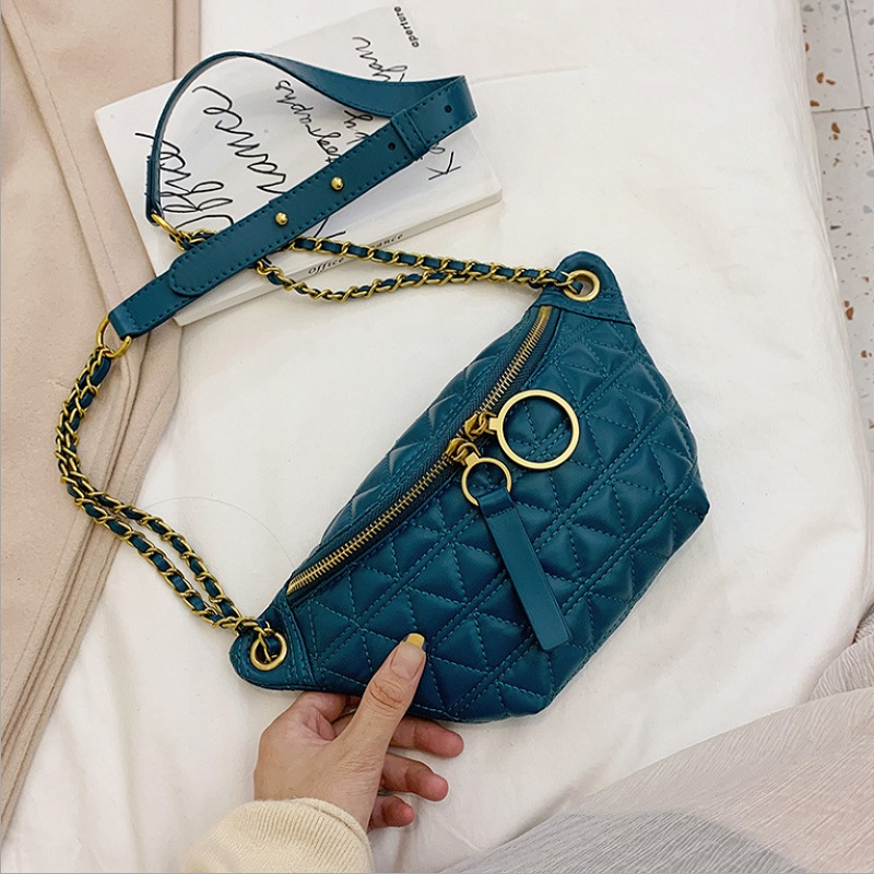 JTF2058 IDR.70.000 MATERIAL PU SIZE L28XH14XW6CM WEIGHT 300GR COLOR GREEN