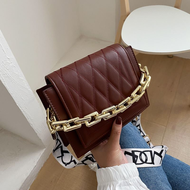 JTF2327 IDR.55.000 MATERIAL PU SIZE L19XH15XW7.5CM WEIGHT 400GR COLOR BROWN