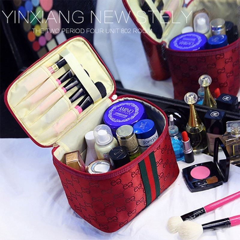 JTF2353 IDR.23.000 MATERIAL PVC SIZE L22XH15XW16CM WEIGHT 150GR COLOR RED