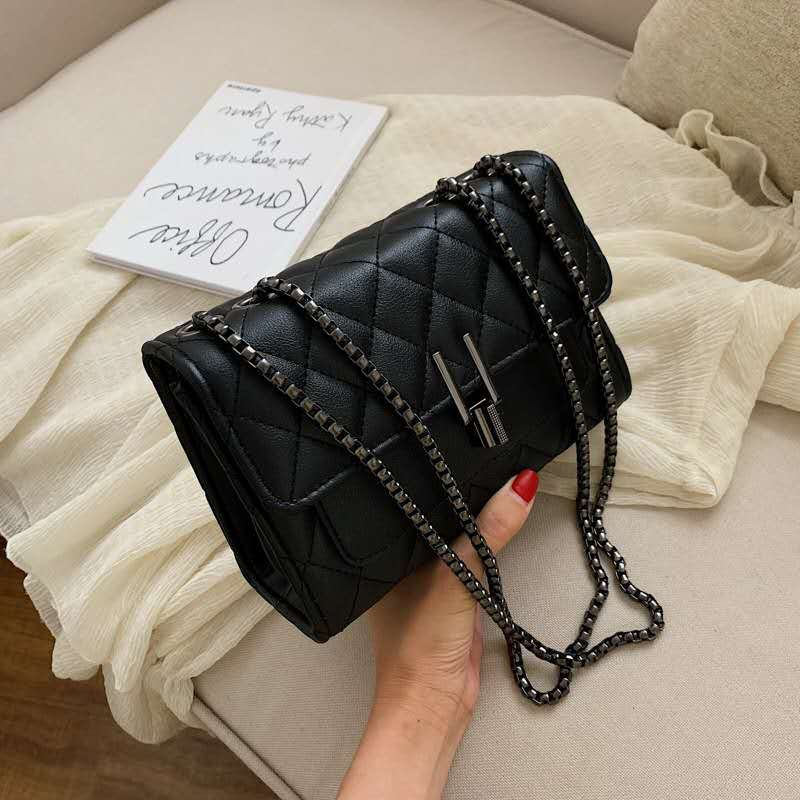 JTF2644 IDR.80.000 MATERIAL PU SIZE L20.5XH14.5XW8CM WEIGHT 500GR COLOR BLACK